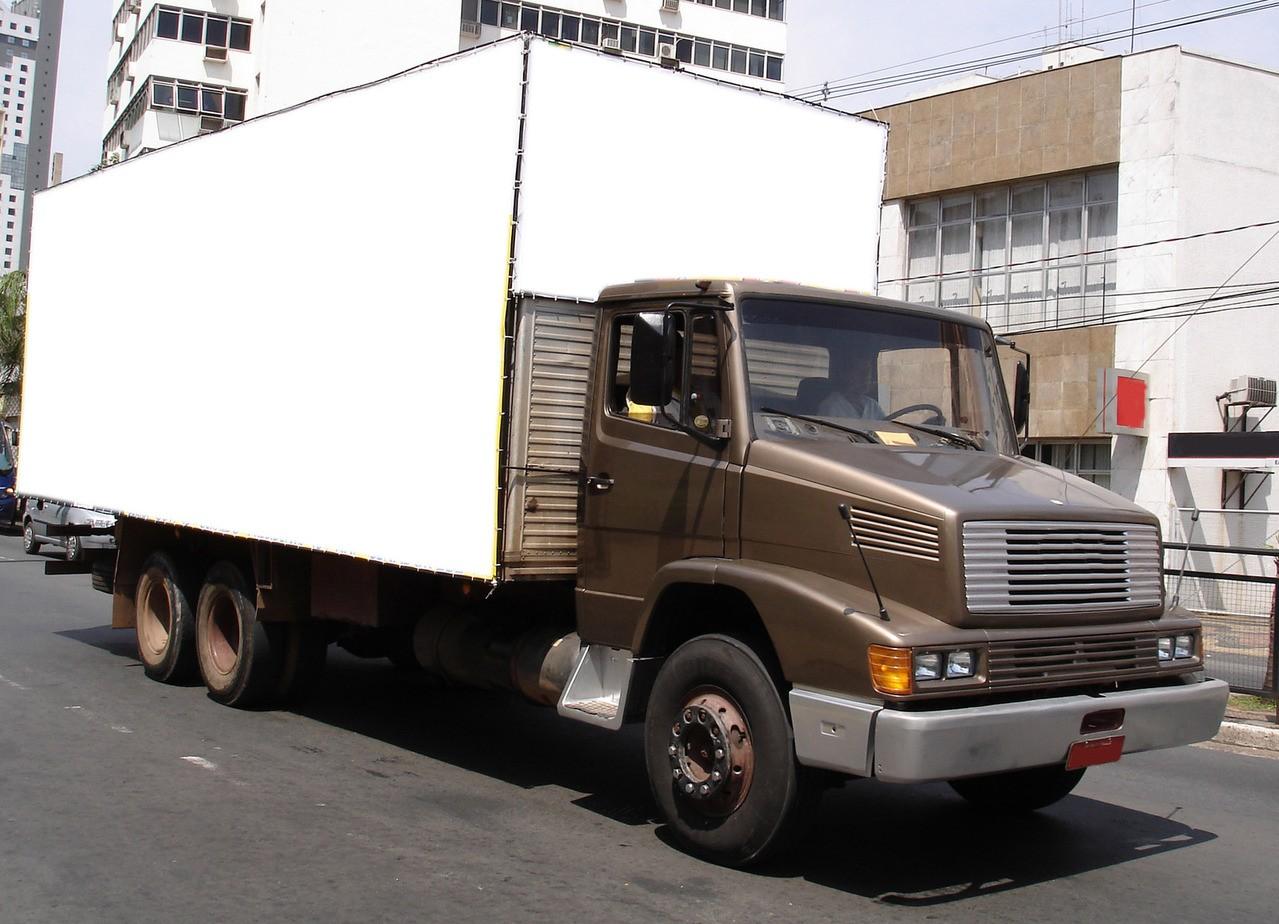 Wymagane uprawnienia dla kierowcy samochodu ciężarowego